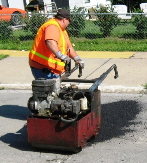 compacting-fresh-asphalt